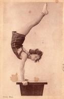 5530. CPA CIRQUE MUSIC-HALL. SANS LEGENDE. EQUILIBRISTE. CACHETS DE BORDEAUX 1936 - Artiesten