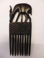 Peigne En Ebene Africain Représentant Une Gazelle - TOGO AFRIQUE Années 1970 - Art Africain