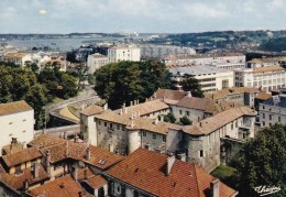 BAYONNE: Porte Du Pays Basque,Château Vieux(Moyen Age) Fort Carré,flanqué De Tours Rondes - Bayonne