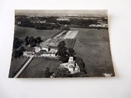 Carte Postale Ancienne : ARTIGUES Près BORDEAUX : Vue Aérienne L'Eglise Et Le Chateau - Francia