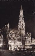 BRUXELLES L'HOTEL DE VILLE (dil208) - Bruxelles By Night