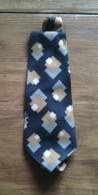 CRAVATE ANCIENNE - Cravates