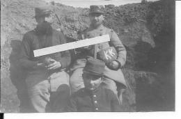 1914-1915 Soldats Français, 3 Poilus Dans La Tranchée Pain KK Grenade Modèle 1885 1 Photo 1914-1918 14-18 Ww1 Wk1 - War, Military