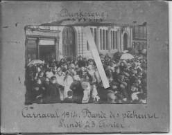 Lundi 23 Février 1914 Carnaval De Dunkerque Défilé Bande Des Pêcheurs 1 Carte Photo Carnaval Fête Us Coutumes Traditions - Places