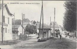 38 - MORESTEL - Avenue De La Gare ( Animation ) - Morestel