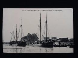 35  Le Vivier-sur-Mer Le Port, Bâteau En Chargement - France