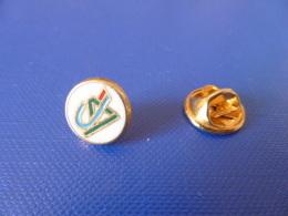 Pin's Banque Crédit Agricole - Logo CA Rond - Doré Zamac Decat - Diam 1.1 Cm (HB39) - Banques