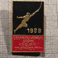 RARE INTERNATIONAL TOURNAMENT FENCING Small-sword Skewer 1989 France PIN BADGE - Scherma