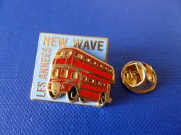 Pin´s Les Années New Wave - Bus Imperial Anglais - Royaume Uni - Zamac Double Moule (YD20) - Pin's