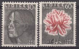 Czechoslovakia Flowers 1957 Mi#1030-1031 Mint Never Hinged
