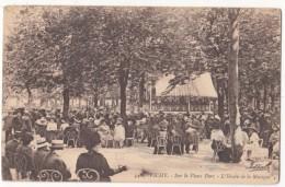 France, VICHY, Sur Le Vieux Parc, LHeure De La Musique, Used Postcard [18626] - Vichy