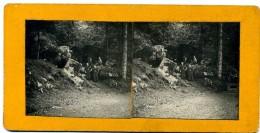 Photos  Stéréoscopiques - 88 Vexaincourt - Groupe Dans Les Rochers  Près Du Lac  De La  Maix - Photos Stéréoscopiques