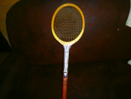 ANCIENNE RAQUETTE BOIS PIERRE DARMON  MARCO - Tennis