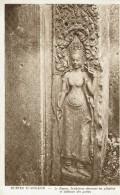 ANGKOR-LE BAYON-SCULPTURES DECORANT LES PILASTRES ET TABLEAUX DES PORTES - Cambodge