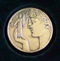 Médaille Bronze De Joseph Witterwulghe Cigarette St Michel époque Art Déco 1930 - Professionnels / De Société