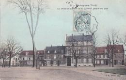 59 ANNAPPES Belle CPA Colorisée Place ESTAMINET L' Espérance Et Maison JANSSENE ARBRE De La LIBERTE De 1792 Timbre 1907 - Sin Clasificación