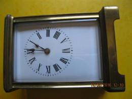 Ancienne Pendulette D' Officier De Voyage - Horloges