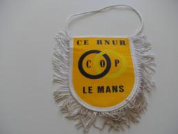 Fanion CE LE MANS RENAULT - Habillement, Souvenirs & Autres