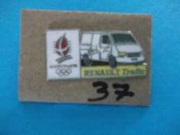 """PIN´S - RENAULT """"  RENAULT TRAFIC   """" -   Pub Sponsor  J O  Albertville 92 - Voir Photo ( 37 ) - Renault"""