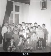 1959 60mm ORIGINAL NEGATIVE SCHOOL BOYS CRIANÇAS LISBOA PORTUGAL NOT PHOTO NEGATIVO NO FOTO - Photography