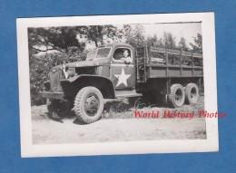 Photo Ancienne - Militaire Français Dans Un Beau Camion Américain à Identifier - GMC ? - US Truck - War, Military