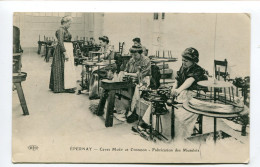 CPA  51  :  EPERNAY  Moët Et Chandon Fabrication Des Muselets   1916   A  VOIR  !!!!!!! - Epernay