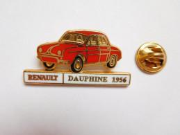 Beau Pin´s En Zamac , Auto Renault Dauphine - Renault