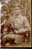 Guerre 14-18 Soldats Ennemis Officier Allemand Et Sa Croix De Fer Carte-photo écrite Au Dos - Guerre 1914-18