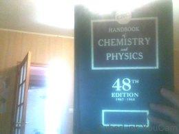 Crc Handbook Of Chemistry & Physics 48TH Edition (Anglais) De Robert Weast - Livres, BD, Revues