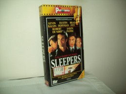 "I Granfi Film Di Panorama ""Sleepers""  Con Dustin Hoffman, Brad Pitt, Kevin Bacon, Robert De Niro, Jason Patric - Geschichte"