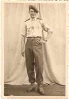 Photographie Militaire, Para Du 1er RCP De Pau, Photo Ena Vers 1950, Fourragère - Guerra, Militari