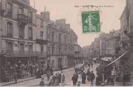 SAINT - LO  -  La Rue Torteron  - Devantures Commerces ( Coiffeur, Quincaillerie - Droguerie...... ) Carte Animée. - Saint Lo