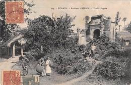 "04731 ""103 TONKIN - ENVIRONS D'HANOI - VIEILLE PAGODE"" ANIMATA, BAMBINI. CART  SPED  TIMBRATA1906 - Vietnam"