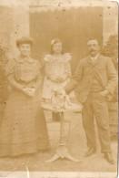 Cpa De Métier, Carte-photo Tirée Par Le Perruquier (coiffeur) De Villenave (d'Ornon, 33), En Famille Vers 1910 - France