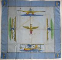 A2092   FOULARD FAZZOLETTO REGIA AERONAUTICA DEL 1935 CIRCA DEDICATO AI TRASVOLATORI A COLORI ITALO BALBO - Divise