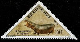 NIGER 2003 YT 1655 HIPPOPOTAME ODD SHAPE TRIANGLE TRIAGULAR MNH ** RARE - Sellos