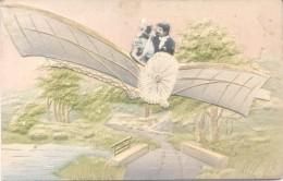 AVION PLANE CPA CIRCA 1900s GOFRADA GAUFFREE RARISIME PAREJA COUPLE ARTURO ZARAGOZA SE LA ENVIA A ELISA LLORET EN VILLA - Koppels