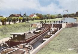 CPSM   PONT SAINTE MAXENCE 60     L'écluse - Pont Sainte Maxence