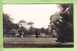 VERNEUIL - Ecole Des ROCHES - Batiment Des Classes Avec Chapelle Protestante - Peu Courant - 2 Scans - Villefranche-sur-Saone