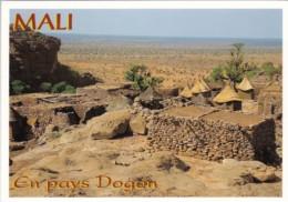Mali En Pays Dogon Village Scene - Mali