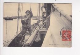 CPA La Vie A La Mer L'appareillage Voilier Marin Mousse - F8 Dugas - Fischerei
