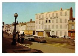 17 Rochefort Rue Du Docteur Peltier Hotel De France Voiture Automobile Citroen Ds Panhard, Carte Non Voyagée - Rochefort