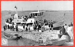 """CPSM 50 Les ILES CHAUSEY (près Granville) A Bord Du (bateau) """"Président Quoniam"""" Vedette Verte Granvillaise ** Ed. Roy - Other Municipalities"""
