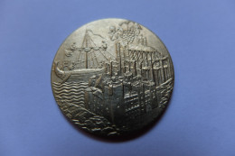 MEDAILLE - FRANCE - NARBONNE - ARMOIRIE - REPRESENTATION ANCIENNE  : CATHEDRALE - NAVIRE - DIAMETRE : 3 CM - France