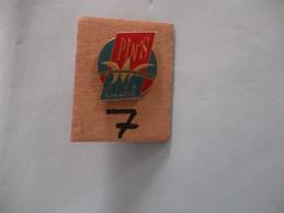 "PIN´S -  LILLE  "" PIN'S CLUB LILLOIS ""  - Voir Photo ( 7 ) - Villes"