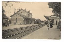 YVELINES  /  MEULAN  /  INTERIEUR  DE  LA  GARE  ( Avec Train Et Locomotive ) /  Edit.  KLEIN - Meulan