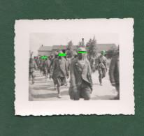 Prigionieri Francesi E Soldati Wehrmacht , Prisoners Of War Prisonniers De Guerre - Guerre, Militaire
