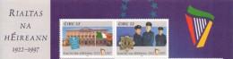 """Ireland / Eire 1997: Paar Aus Gross-Bogen Marke Rechts Mit Wertstufe """"32"""" (anstatt 52) NUR Aus Bogen - Police - Gendarmerie"""