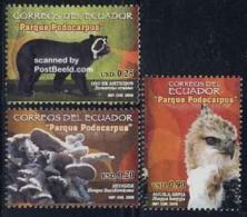 Ecuador 2006 Podocarpus Park 3v, (Mint NH), Nature - Mushrooms - Bears - Birds Of Prey - Ecuador