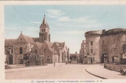 G , Cp , 53 , LAVAL , La Porte Beucheresse Et La Cathédrale - Laval